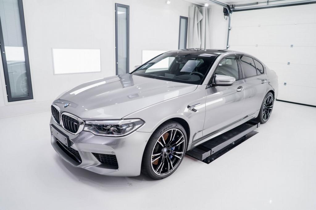 BMW M5 projektikuva